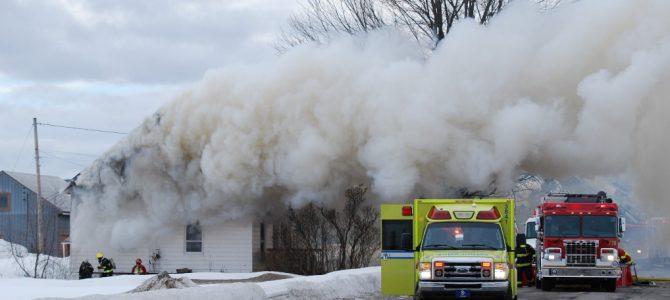 Violent incendie de résidence à Pont-Rouge