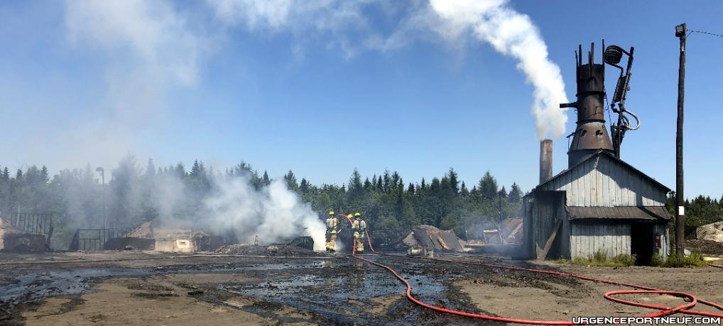 Interventions des pompiers chez Feuille d'Érable – Charbonnerie Ancestrale à Ste-Christine d'Auvergne